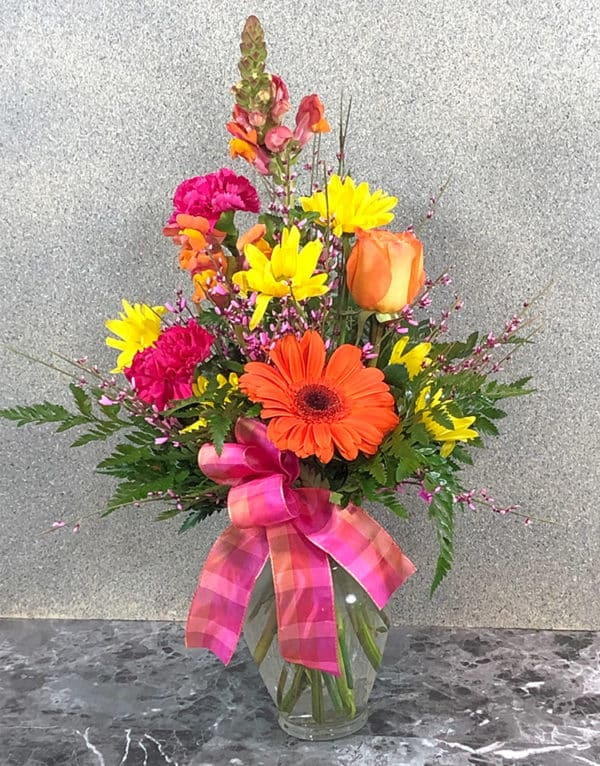 flirty flower arrangement | Spring Creek Design LLC | Gillette Wyoming